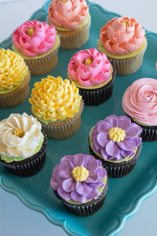 Mothers Day Spring Floral cupcakes