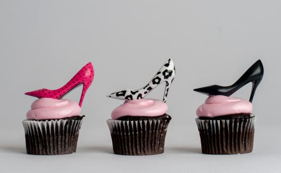 How to make high heels cupcakes (tutorial) - YouTube