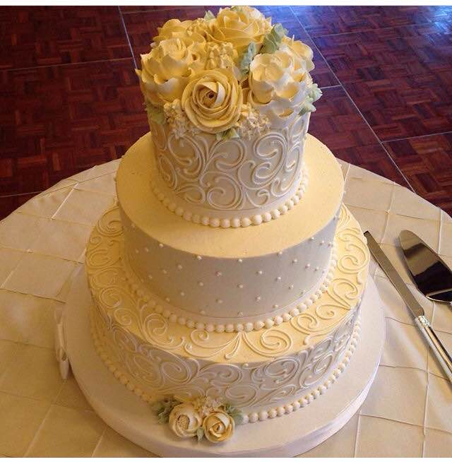 looking for wedding cakes classic wedding cakes white flower cake shoppe 5593